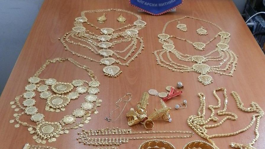 Заловиха златни накити за над 100 000 лв. на...