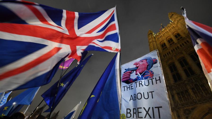 <p>Нов обрат за Брекзит, отхвърлиха втори референдум</p>