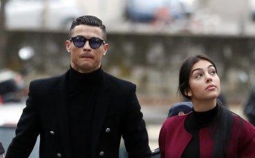 Роналдо събра погледите преди да влезе в съда