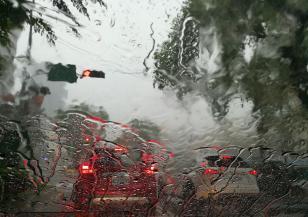 Силни валежи в 4 области на страната