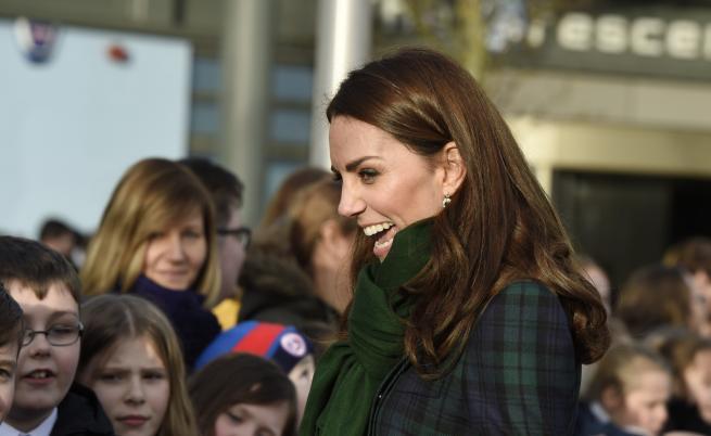 Очарователна! Кейт сияе от щастие в Шотландия (СНИМКИ)