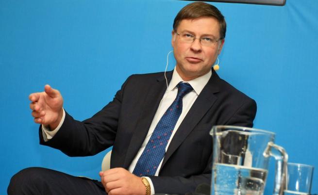 Домбровскис: Еврото в България – след 3 години