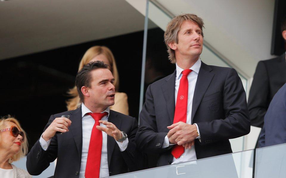 Арсенал проучва бивш свой футболист за директор