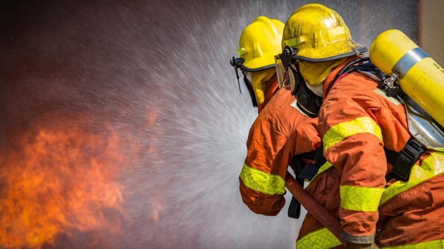Пожар затвори пролива Дарданели