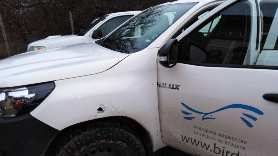 <p>Стрелба по кола на БДЗП в Дуранкулак</p>