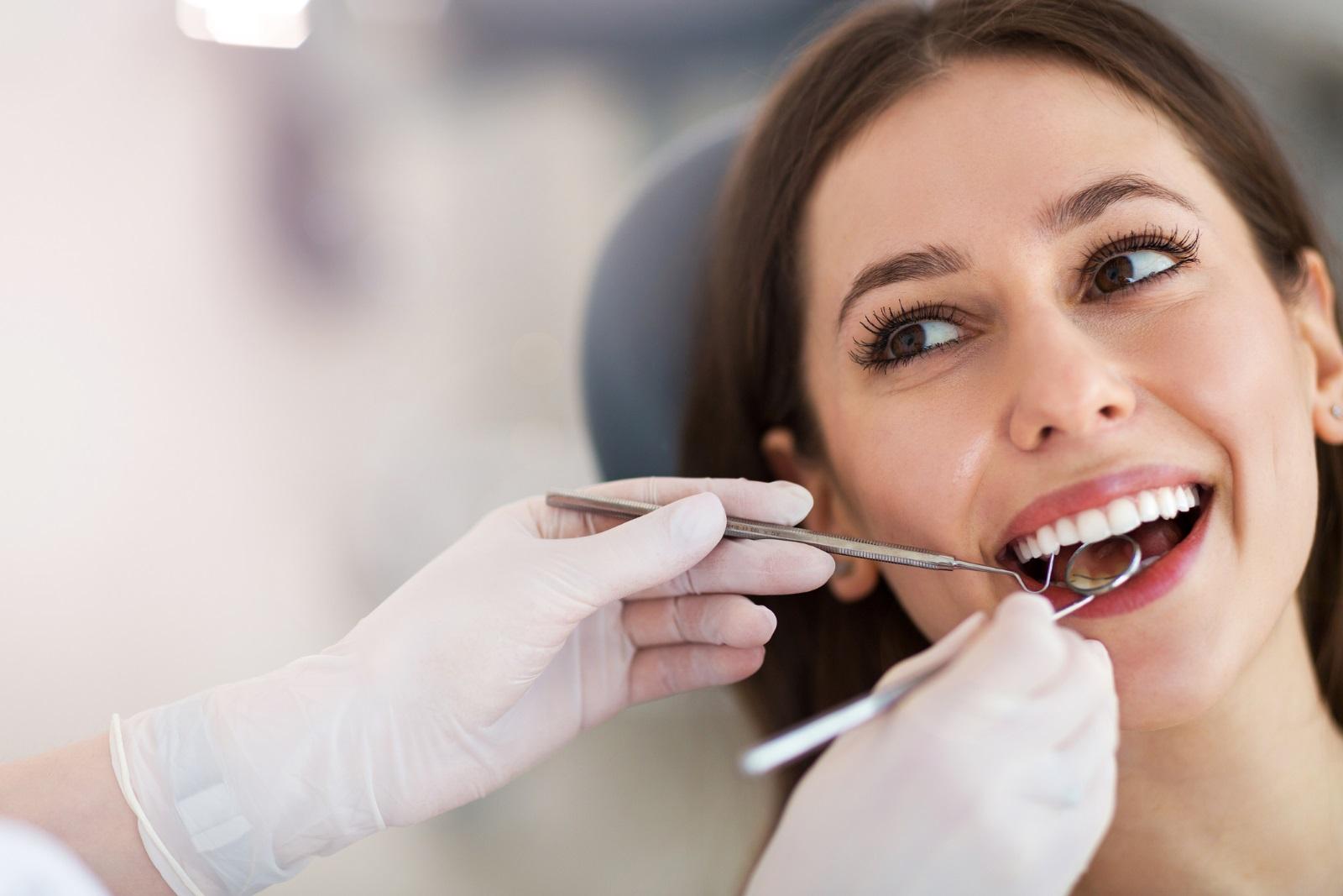Колагеновият протеин играе важна роля в поддържането на здрави венци и зъби. Недостигът му може да доведе до внезапно разрушаване на зъбите и влошаване на здравето на венците.