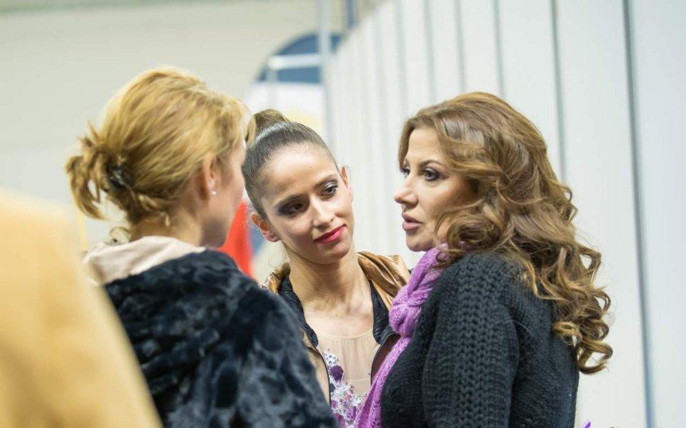 Прегръдки и целувки между Илиана Раева и Ирина Винер