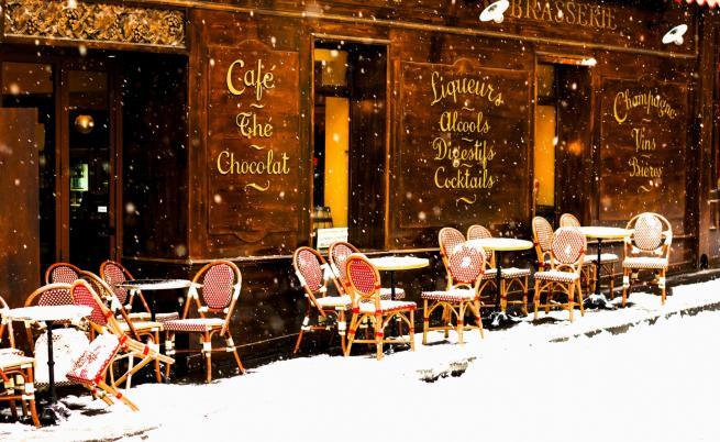 Чудното парижко кафене, в което ходи дори Бриджит Макрон