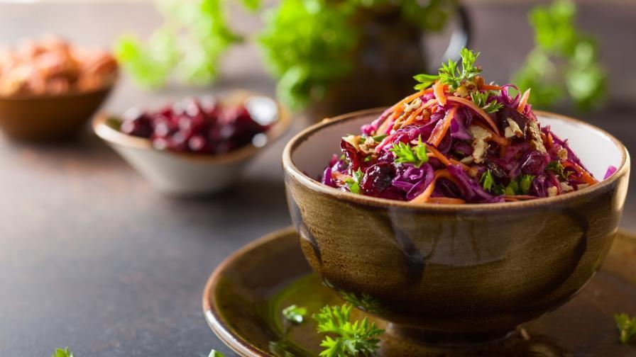 <p>Три зеленчука в <strong>най-полезната&nbsp;салата </strong>за сезона</p>