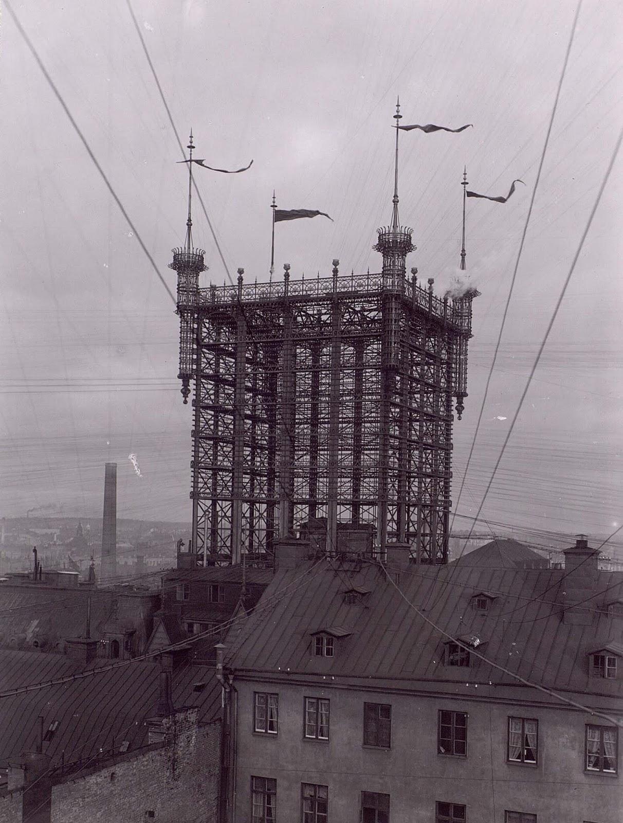 Кулата в Стокхолм, Швеция, е създадена през 1890 г. и към нея са свързани около 5000 линии, разпръснати във всички посоки в града.