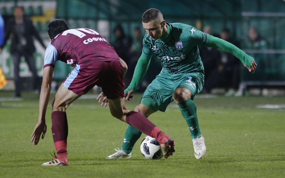 Офанзивният футболист на Витоша Бистрица – Даниел Кутов, официално се