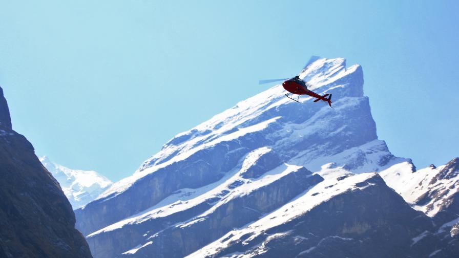 <p>Хеликоптер се разби в Непал, загина министър</p>