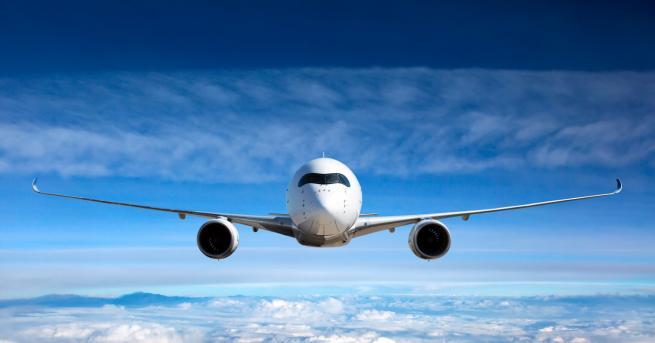 Любопитно Самолет едва не отнесе туристи на гръцкия остров Скиатос