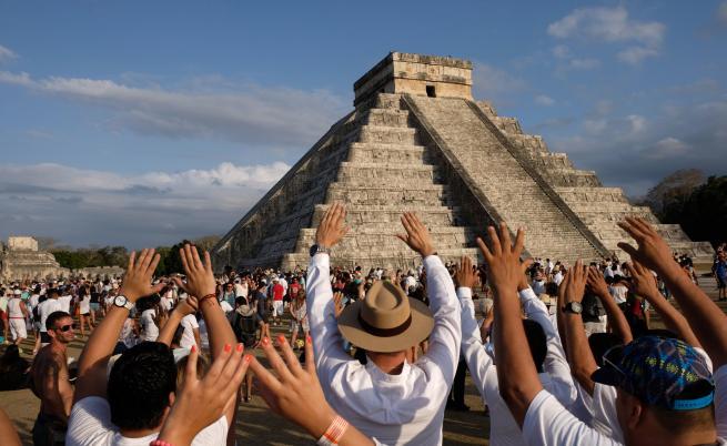 Невероятно откритие край пирамидите в Чичен ица