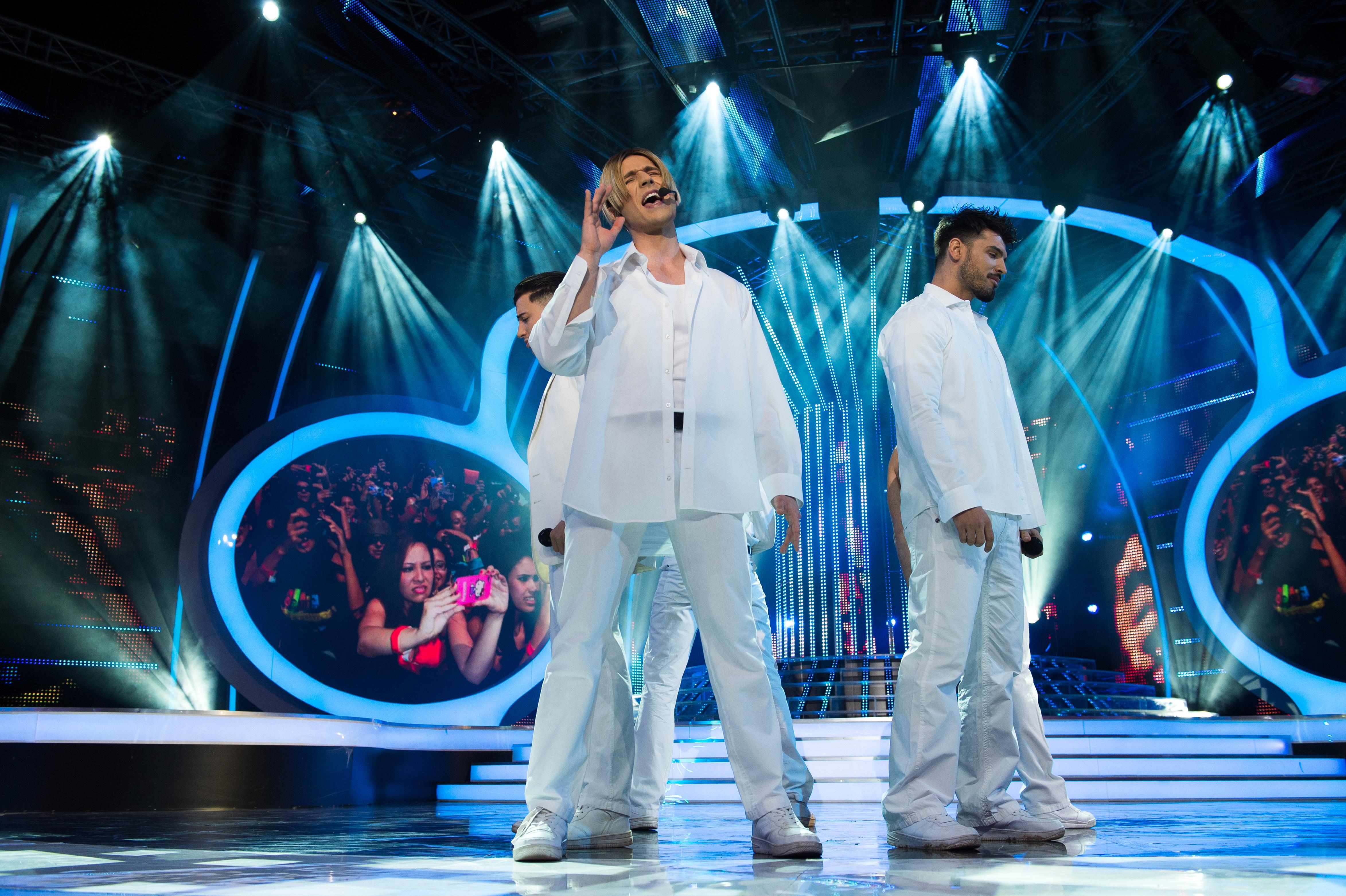 Папи Ханс като Ник Картър от Backstreet Boys