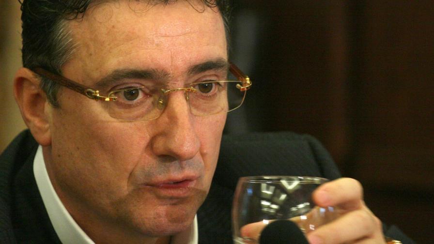 Арабаджиев остава в ареста