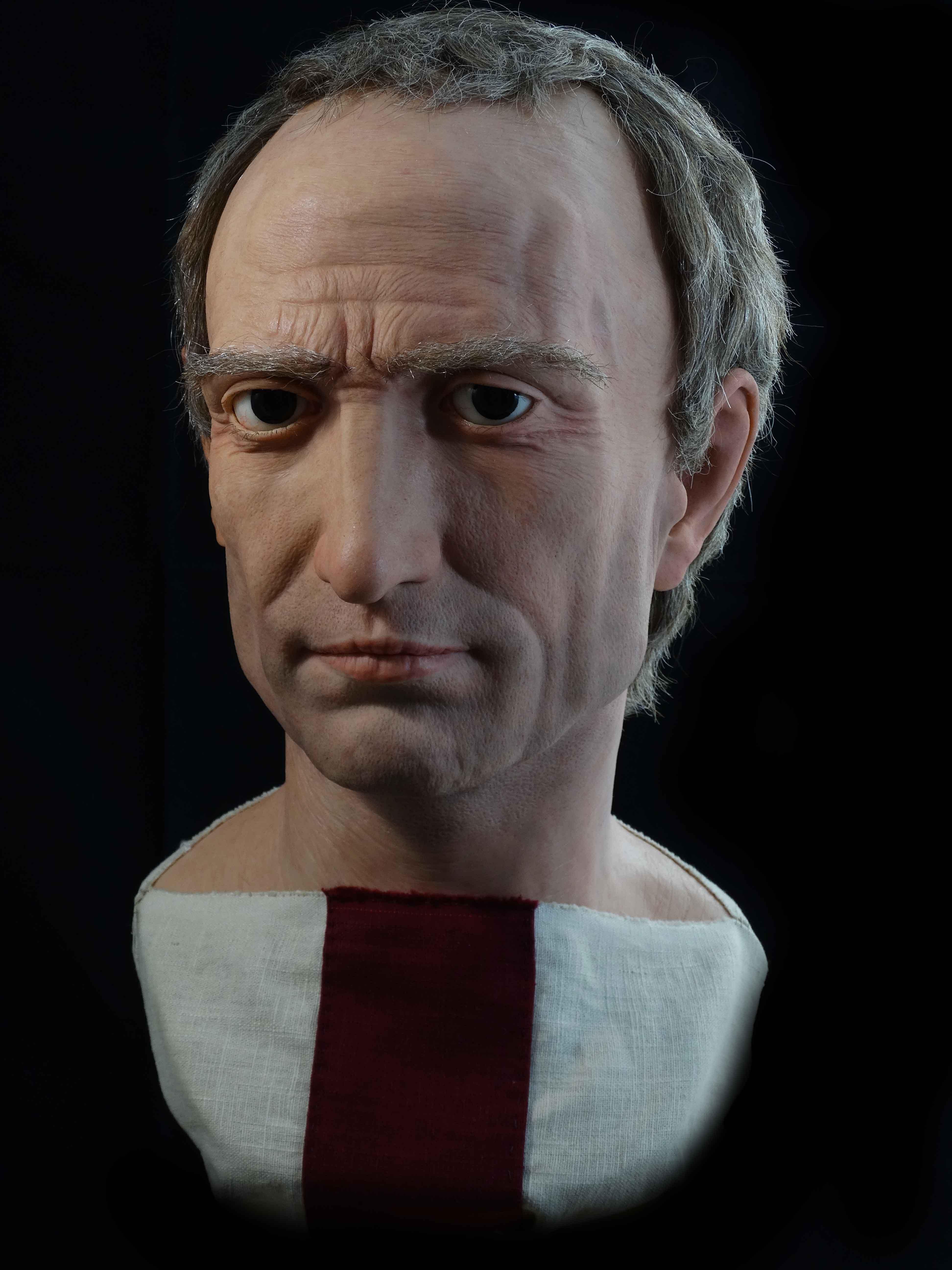 Убийците се надяват да възстановят нормалното управление на Републиката, но предизвикват нова гражданска война, която води до установяване на постоянна автокрация от страна на осиновения Цезаров наследник Гай Октавиан. През 42 пр.н.е., две години след убийството му, Цезар е обожествен от Сената.