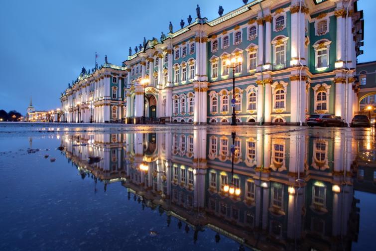 кралски дворци