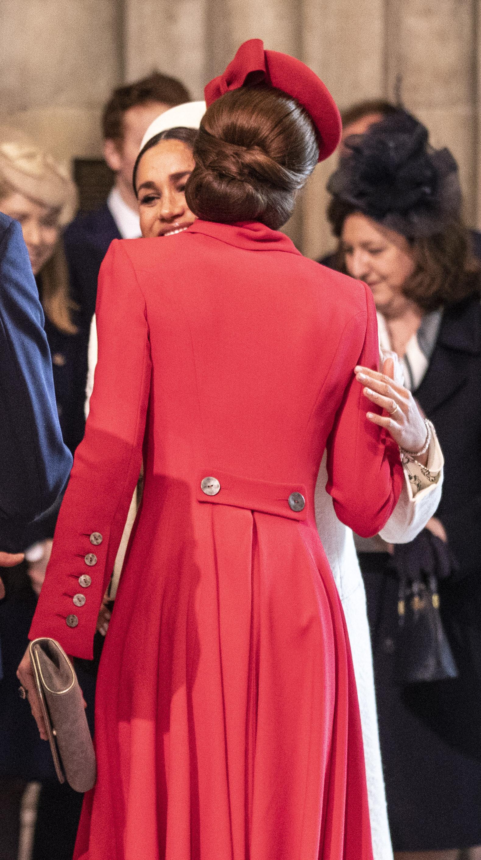 Денят на Общността на нациите събра на едно място Кейт Мидълтън и Меган Маркъл, които освен че изглеждаха ослепително, още веднъж разсеяха слуховете за вражда помежду си.