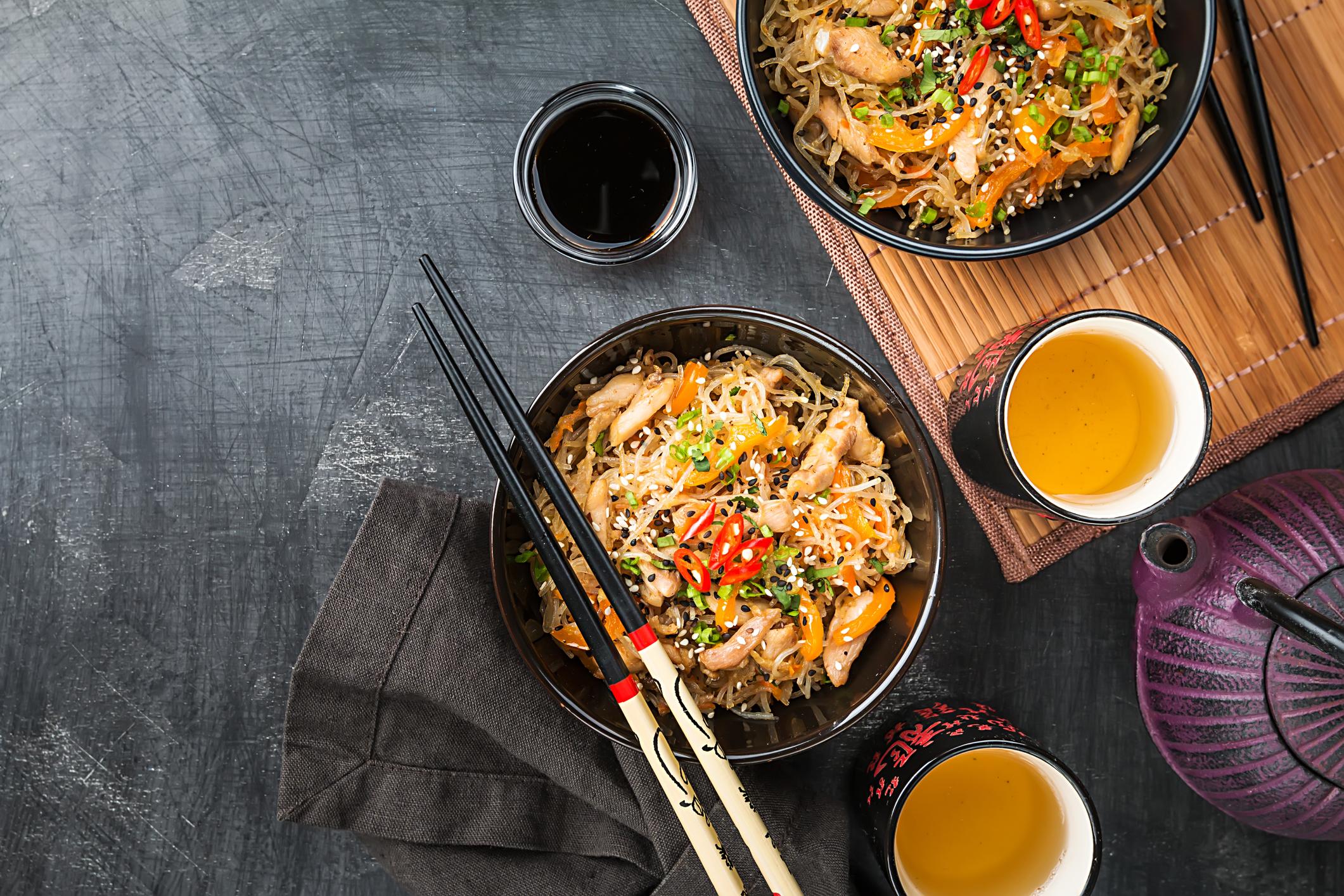 2.Китай<br /> <br /> За китайската кухня или трябва да се каже нещо хубаво или по-добре да не се говори. Ако някога имате възможността да посетите тази страна с древна история, задължително опитайте патица по пекински, супатаXiaolongbao и свинско в сладко-кисел сос.