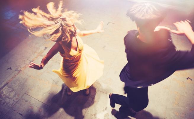 Танцовите зали и сцените за изкуства отварят врати