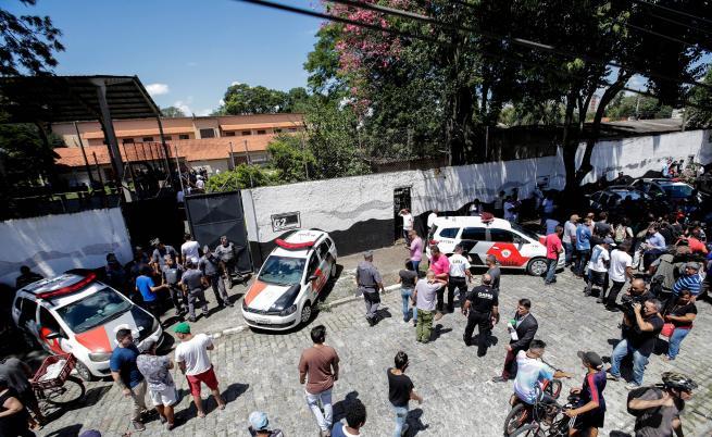 Стрелба в училище в Бразилия, шест деца загинаха