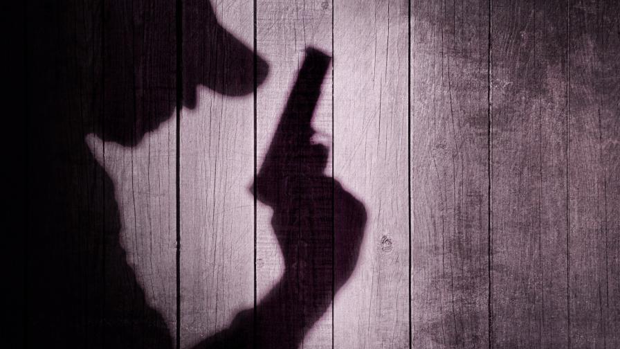 20-годишен е прострелян в главата след спор в Бургас