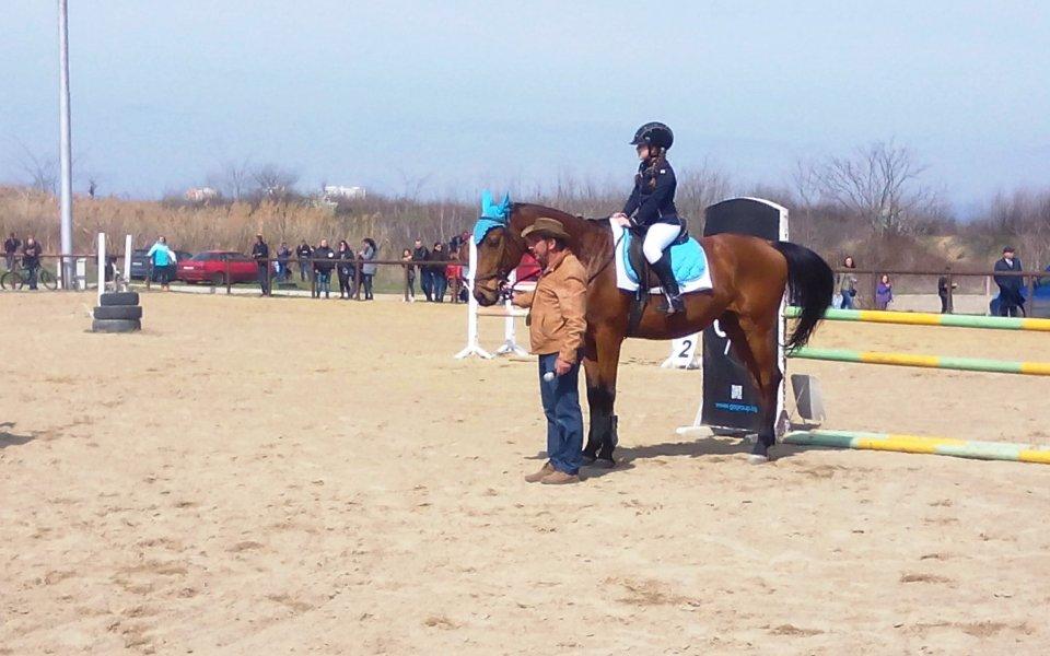 Адреналин и пролетно настроение на конната база в Бургас