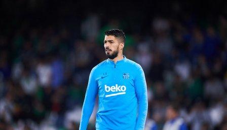 Неприятности за Барса: Ел Пистолеро виси за мача с Юнайтед