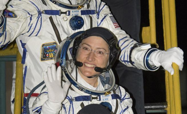 Скафандрите на НАСА провалиха първата женска разходка в космоса