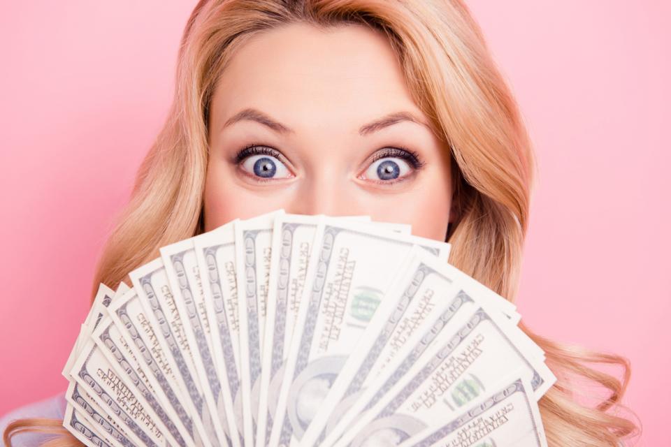 жена пари