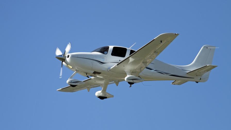 <p>Самолет с българско семейство&nbsp;се разби в Македония</p>