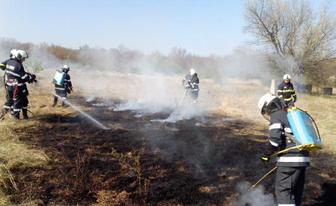 Пожар избухна близо до Атина