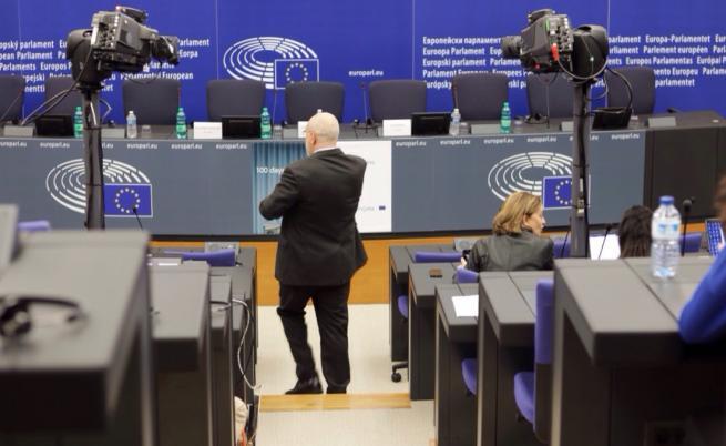 Секциите в чужбина са готови, проблем с машините за вота