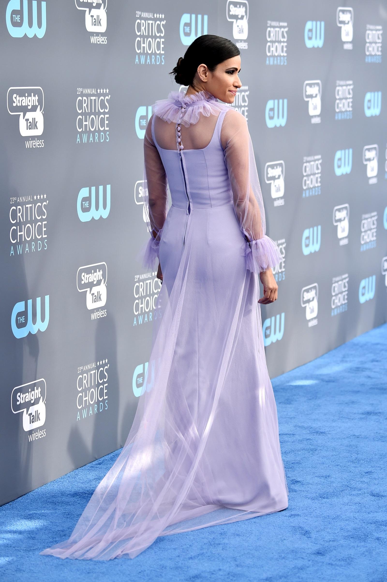 """Тифани Смит е американска актриса, позната с малки роли в сериалите """"Свръхестествено"""" и """"Непорочната Джейн"""". За 36-годишната Смит ролята на херцогиня Маркъл е """"истинско приключение"""" и тя се радва, че може да го сподели именно с Чарли Фийлд, неин партньор в лентата."""