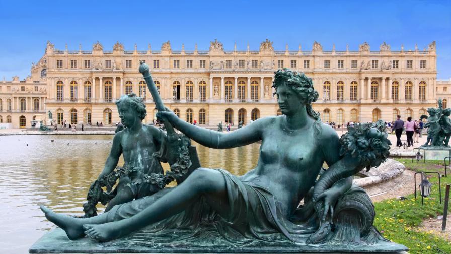 Вижте как изглеждат покоите на кралицата във Версай