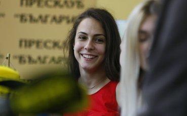 Мицова и Влаар с успех на двойки на Световното
