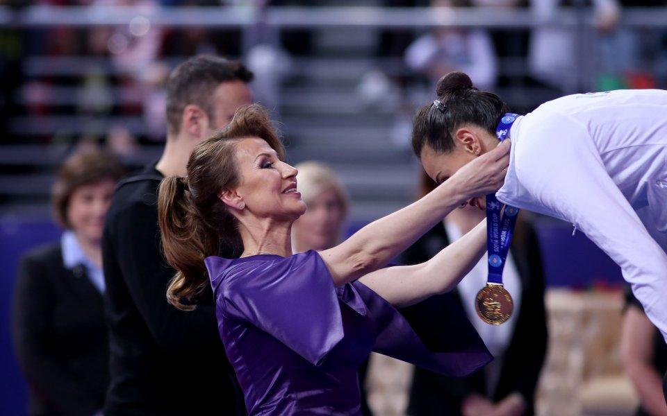 Илиана Раева нарече гимнастичките от ансамбъла