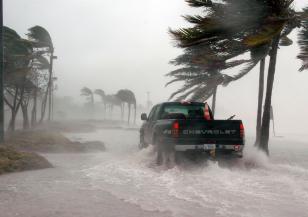 Ураганът Янос удря Гърция