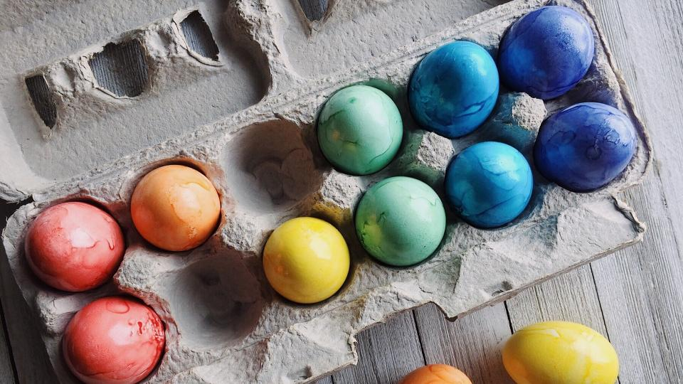 Запретвайте ръкави, хайде да боядисаме яйцата!