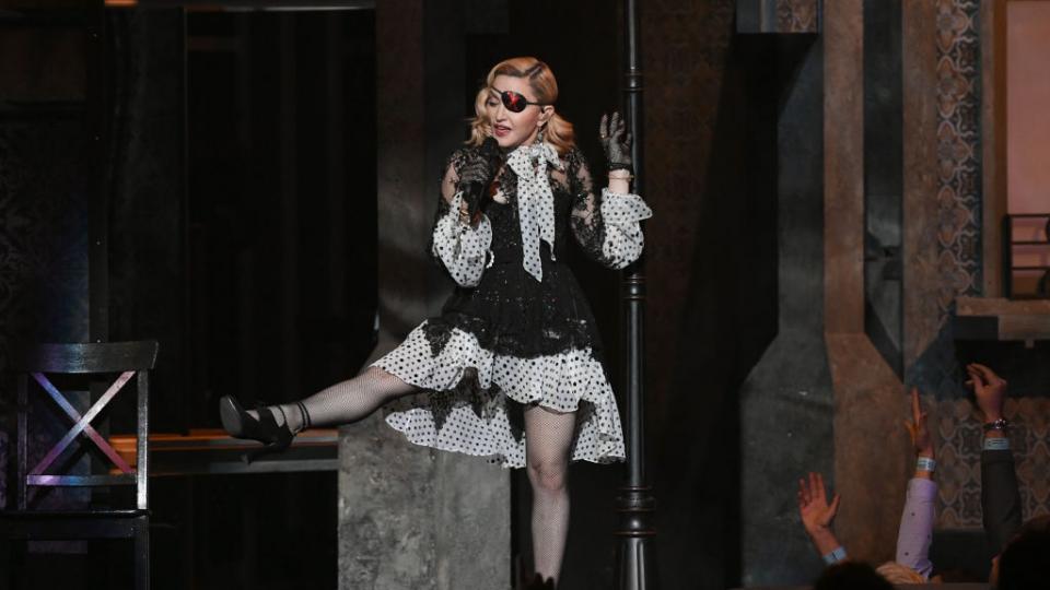 Не жена, а огън: 60-годишната Мадона показа перфектна фигура