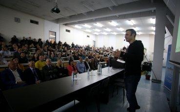 Бербатов показа класа и заяви: Може би се пенсионирах твърде рано (видео)