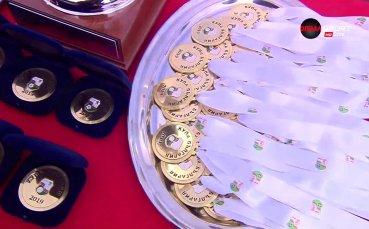Купата и медалите във финала за Купата на България