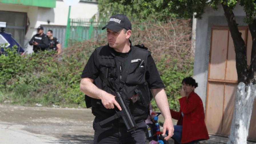 <p>Следа в деветия ден от издирването в Костенец</p>