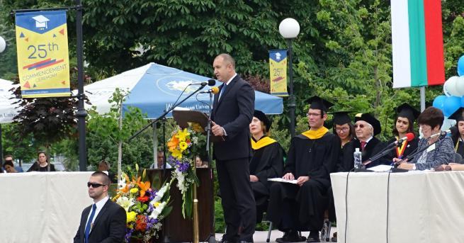 България Радев: Аз не каня магистрати вкъщи Според президента консултациите