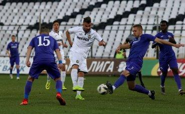 НА ЖИВО: Славия с греда в 3-ата минута