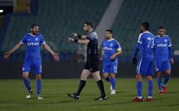 Люти дуели за влизане или оставане в Първа лига