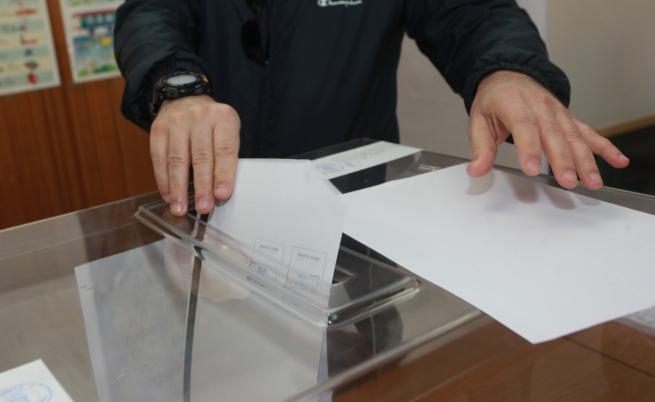 ЦИК: Изборният ден започна нормално, във Видин проблем с машинното гласуване