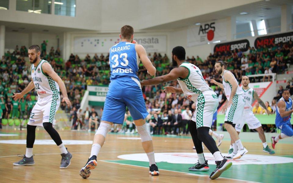 Носителят на купата на България по баскетбол Левски Лукойл ще