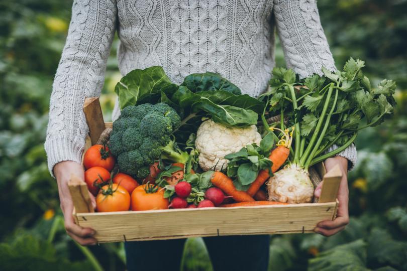 <p><strong>Дайте пространство на зеленчуците</strong></p>  <p><strong>Не препълвайте съда за печене.&nbsp;</strong>Не слагайте вътре зеленчуци с мисълта &bdquo;колкото се поберат&ldquo;.&nbsp;Оставете им малко пространство &ndash; и печените зеленчуци ще станат двойно или тройно по-добри.</p>